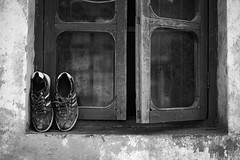 Shoes (sou.0103.touch5) Tags: monochrome 50mm summicron summicron50mm leica m10 leicam10