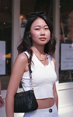 7xi-0830-008 (stephen sherman) Tags: film fujisuperia400 minolta7xl streetstyle newyorkcity manhattan asiangirl soho lucysiyu