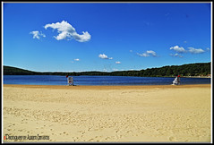LAKE WELCH BEACH. NEW YORK CITY. (ALBERTO CERVANTES PHOTOGRAPHY) Tags: harrimanstateparklakewelch harrimanstatepark lakewelch lake ocean river sea harriman state welch park water rocklandcountry lakewelchparkway parkway usa nyc newyork rockland country streetphotography photography photoborder photoart art creative indoor outdoor blur sky nubes clouds beach lovebeach love colorlight color colores colors brillo bright brightcolors retrato portrait reflejo reflection sol sun arena sand icono iconic