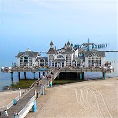 invitation for a rest. (Bernergieu) Tags: germany ostsee deutschland sellin ostseebad architektur architecture strand beach meer