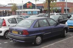 Opel Astra F2 1.6i Season 9-2-1996 NP-DF-79 (Fuego 81) Tags: opel astra f f2 sedan season 1996 npdf79 onk sidecode5 winkelcentrum aalanden