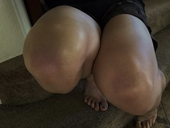 IMG_1463 (guythigh) Tags: knees thighs tease sexy smooth shiny shapely shine squat