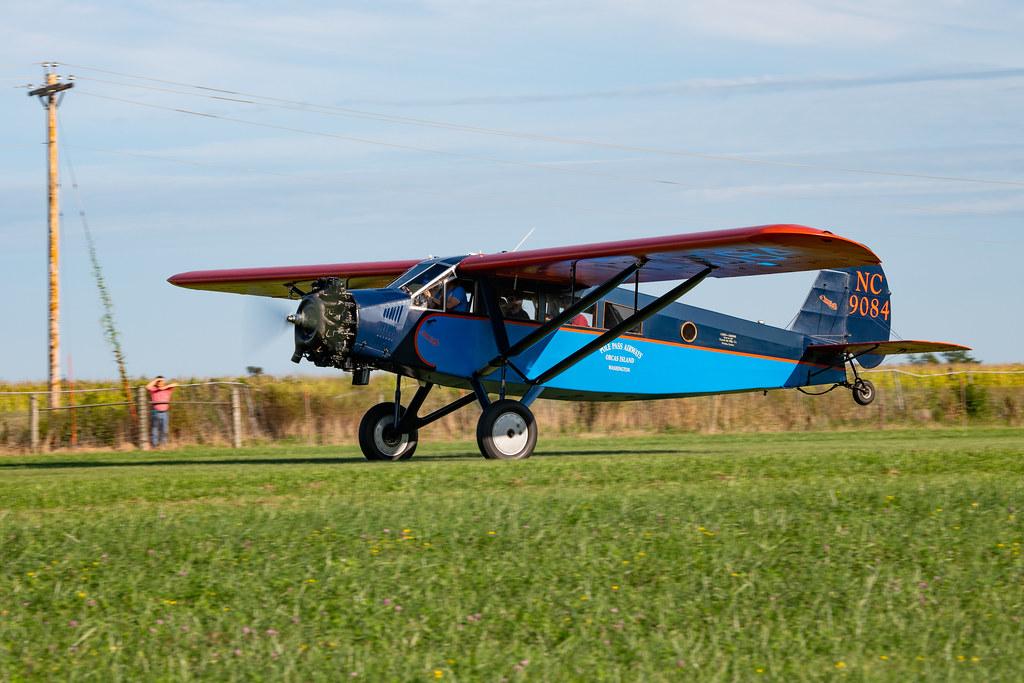 Antique Airplane Heaven in Iowa – Hangar Flying