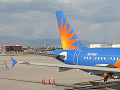 Allegiant A320-214 N273NV (kenjet) Tags: g4 allegiant allegiantair mccarran vegas las lasvegas lasvegasmccarraninternationalairport gate airport terminal flugzeug plane jet airline airliner airbus 320 a320 a320214 n273nv eidsd alitalia airone tail wingtip winglet blue
