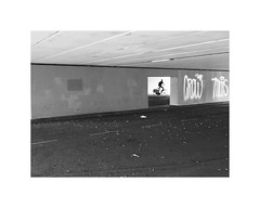 Trazione Muscolare (oiZox) Tags: arquitecture amsterdam white walking europe town travelling travel traveler travellerbloger travelphotography travelphoto travellers travelblogger traveller travelnow young urban incontri ombreeluci orlandoimperatore people photography photo light life licht luz lux libre love lines look kultur journey joy human happiness gente fotourbana fotocallejera fujifilm foto depthoffield streetphotagraphy street shadow silhouette streetphotography streetohotography streetphoto passion streetart streetphotographers streetstyle xpro2 acros city citta calle ciudad viaggiare bw blackwhite blanconegro bnw black bn bnwphotography bnwphoto bnwdemands monochrome mono monocromatico