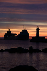 Ahead of the storm... (CN Southwell) Tags: michipicoten blue hour sunrise lighthouse duluth mn minnesota laker lake freighter 2019