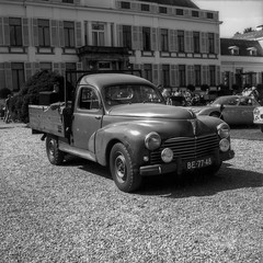 Concours d'elegance 2019 (Ronald_H) Tags: concours delegance 2019 film oldtimer classic car washi s washis peugeot 203 pickup yashica mat 124