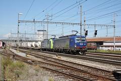 193 497, Pratteln (Jordi Pauw) Tags: bls br193 193497 br185 bombardier traxx siemens containers containertrein tankcontainers pratteln zwitserland canon 1000d