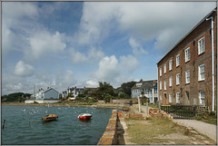 Yarmouth Mill (Jason 87030) Tags: yarmouth river yar estuary water walk mill hose dwelling building 1793 2019 august bird gulls seagulls flocl boats shot uk england iow island isleofwight sunny weather lighting composition shoot image