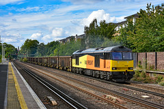 60096 - Kensington Olympia - 08/08/19. (TRphotography04) Tags: gb railfreight on hire dcr 60096 leads 6z40 1550 willesden sidings angerstein wharf empties past kensington olympia