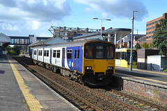 Northern Class 150/1 150124 - Altrincham (dwb transport photos) Tags: arriva northern sprinter dmu 150124 altrincham