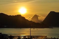 Bfds (Ruby Augusto) Tags: sunset pôrdosol silhuetas silhoeuttes niteróirj hotel baía bay morro