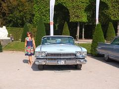 the lady next to the Cadillac (mgheiss) Tags: cadillac lady dame fujifilm x10 schwetzingen auto car luxurycar