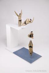 高飛び込み / Platform diving (Gen Hagiwara) Tags: origami paper folding art paperart craft papercraft genhagiwara olympic sports swimming diving jump diorama