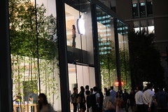 DSC00172 (digitalbear) Tags: sony rx100 markvii rx100m7 marunouchi chiyodaku tokyo japan apple store applestoremarunouchi applestore opening soon