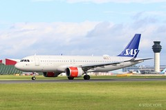 SAS Airlines a320-251N EI-SIF (SteveH1972) Tags: scandinavianairlines sas scandinavian a320251n a320 eisif sasairlines canon700d 700d canon canon70200 70200 nonis uk england britain manchester manchesterairport airport manchesterringway ringway plane airplane outside outdoor outdoors aviation 2019 green red blue
