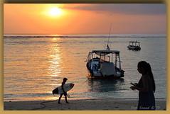 whats with the phone (Canon makes it too easy !!!!!) Tags: snoad snoady australia bali beach surf fun bikini model babe sunse t kites boats ocean canon eosr 5d4