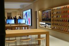 DSC00161 (digitalbear) Tags: sony rx100 markvii rx100m7 marunouchi chiyodaku tokyo japan apple store applestoremarunouchi applestore opening soon