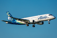 N198SY Embraer ERJ-175LR Alaska / SkyWest (SamCom) Tags: kdal lovefield dallaslovefield e75l n198sy embraer erj175lr alaska skywest