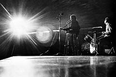 Neil Diamond in Concert 1970 (musicloverdiamond) Tags: article scan guitar stage 1970 neildiamond concert