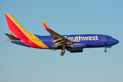 N7824A Boeing 737-7BK Southwest (SamCom) Tags: kdal lovefield dallaslovefield swa southwest southwestairlines n7824a boeing 7377bk b737