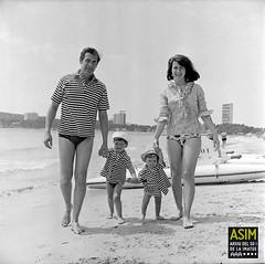 Edmund Hockridge i família (Arxiu del So i de la Imatge de Mallorca) Tags: mallorca majorca calvià magaluf singers cantantes cantants actors actores família family playas beaches platges
