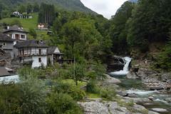 Lavertezzo (JM Portos) Tags: suïssa muntanya