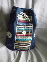 خياطة حقيبة الظهر باعادة تدوير الجينز (ezo-handmade) Tags: اعادة تدوير افكار الطرز و الخياطة خياطة