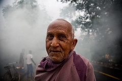 Man and age (Karthikeyan.Chinnathamby) Tags: karthikeyan chinnathamby chinna canon canon5d canon5dmarkiii candid portrait street streetlife streetphotography travel westbengal purulia india cwc chennaiweekendclickers cwc742 people old grandfather smoke background 24105 wide color