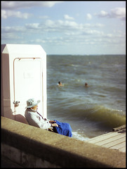 The Older generation at the Seaside (exreuterman) Tags: 35mm film fujicolor c200 canon eos1n 50mmf12l