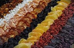 Trockenfrüchte - Frutta secca (Eric@focus) Tags: driedfruits food brunico italy healthfood sweet nutritive colours dates sugar candy süsigkeiten caramella fruitsec tradition belgianflag nikond7100