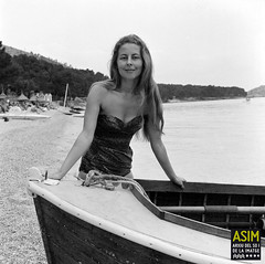Rosemary Honey (Arxiu del So i de la Imatge de Mallorca) Tags: majorca mallorca pollença formentor women mujeres dones barques barcas boats