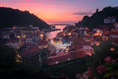 Paint it pink (visnuh) Tags: canoneos5dmarkiv canonef1635f28liii cudillero asturias principado de cantábrico marcantábrico sunset puestadesol atardecer horaazul bluehour