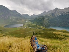 Descans..... (JM Portos) Tags: suïssa muntanya llac pau
