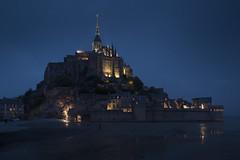 Mont Saint Michel la nuit (Michel Couprie) Tags: europe france normandy normandie montsaintmichel night nuit abbaye abbey church architecture bluehour canon eos couprie tse24mmf35l