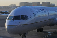 United B757-300 - LAX (jebzphoto) Tags: airlines airline airliner airliners airplane airplanes aviation aircraft plane planes planespotting flight los angeles international airport airports klax lax commercial united boeing 757