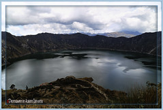 QUILOTOA, LAGUNA INCREIBLE. QUILOTOA INCREDIBLE LAGOON. COTOPAXI - ECUADOR. (ALBERTO CERVANTES PHOTOGRAPHY) Tags: quilotoalagoon lagunaquilotoa laguna lagoon quilotoa cordilleradelosandes republicadelecuador cotopaxiecuador ecuador cotopaxi ecuadorcotopaxi water sky nubes clouds frio cold way indio indigena indian inca streetphotography photoborder photoart art creative indoor outdoor blur photography andes andino montaña mountain paisajeandino andeanlandscape crater andean landscape river volcan volcano icono iconic retrato portait reflejo reflection tree colorlight