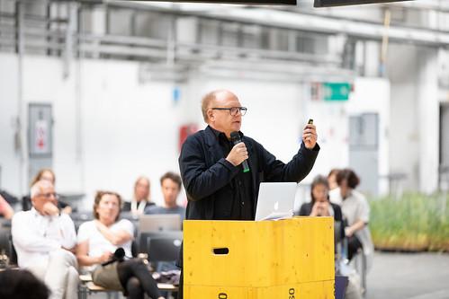 Hermann Vaske (DE) at Midlife Crisis of the Digital Revolution – Theme Conference, POSTCITY