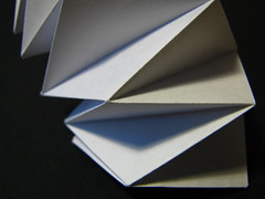 (Vallø) Tags: vallø danmark denmark closeup macro paper papir white hvidt sort blomst indoor inside details detaljer lines linjer colorbw naturalbw 2019 lookingcloseonfriday blackbackground 5faves 10faves 15faves