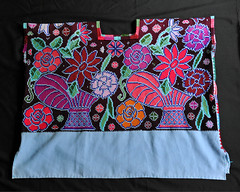 Maya Huipil Zinacantan Chiapas Mexico (Teyacapan) Tags: huipils mexican chiapas textiles maya zinacantan vestimenta ropa clothing flowers embroidery