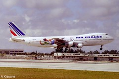 AIR FRANCE B747 F-BPVM (Adrian.Kissane) Tags: sky plane outdoors flying airport miami aircraft aviation flight jet aeroplane landing airline 1998 boeing 747 jumbojet airliner airfrance b747 arriving 20799 fbpvm