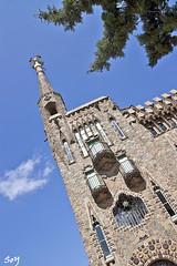 Torre Bellesguard (svet.llum) Tags: barcelona gaudí arquitectura torre ciudad edificio edifici catalunya cataluña verano