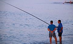 Pescar con caña requiere paciencia y maña (portalealba) Tags: torredelmar axarquía málaga andalucía españa spain portalealba canon eos1300d 1001nightsthenew 1 1001nightsthenewmagiccity