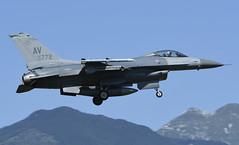 "F-16CM AV 90-0772, 555th Fighter Squadron ""Triple Nickel"" Aviano AFB, Italy (TAIRNGREACHT_BAS) Tags: usaf f16c block40 viper aviano"