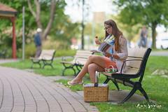 Fraisinette (guysamsonphoto) Tags: guysamson portrait parc banc bench eating parcsaintevictoire victoriaville