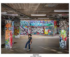 Skating (Ignacio Ferre) Tags: london londres england inglaterra greatbritain granbretaña reinounido unitedkingdom lumix panasonic graffiti streetart skating skate