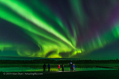 Aurora Tourists at Prosperous Lake (Sept 5-6, 2019) (Amazing Sky Photography) Tags: northernlights northwestterritories ingrahamtrail aurora tourists photographers prosperouslake yellowknife observers green purple curtains people water