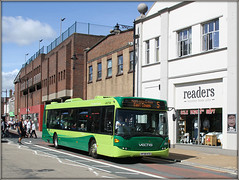 Southern Vectis 2007, Newport (Jason 87030) Tags: scania omnicity single deck readers shops newport town island isle wight green eastcowes hf58hto 2007 2019 return trip color buses wheels iow shot session roadside traffic transport uk english england sunny