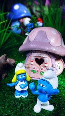 """Hey Smurfette, are you Smurfin what ya see?"" (custombase) Tags: smurfs schleich hefty smurfette brainy papasmurf mushroomhouse village toyphotography"