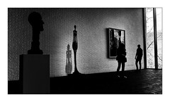 Musée (Jean-Louis DUMAS) Tags: colors artist artiste artistic art arbre window nature museum musée girl woman femme silhouette sculpture statue black white noir blanc noiretblanc nb bw